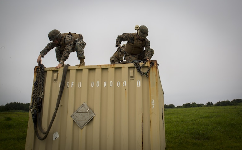 Marines conduct external lift training at Draughon Range near Misawa Air Base, Japan, August 21, 2017, in support of exercise Northern Viper 17.