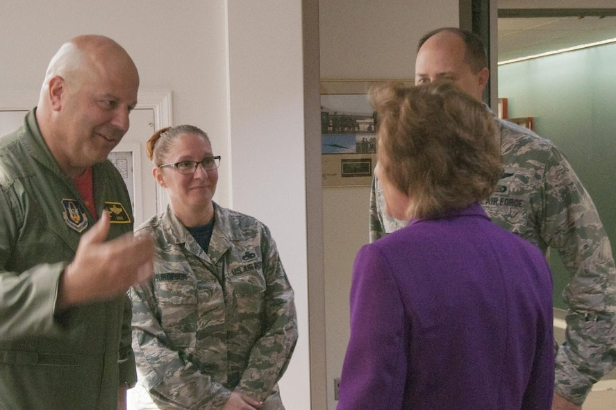 Congresswoman Vicky Hartzler visits 442d Fighter Wing