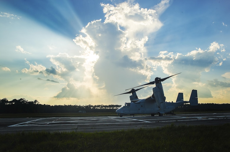 A U.S. Marine Corps MV-22B Osprey aircraft with Marine Medium Tiltrotor Squadron 162 (Reinforced), 26th Marine Expeditionary Unit (MEU), prepares for flight during airborne sustainment training at Camp Lejeune, N.C., Aug.15, 2017.