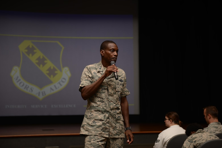 Col. Brandon Parker hosts first commander's call as 7th BW commander