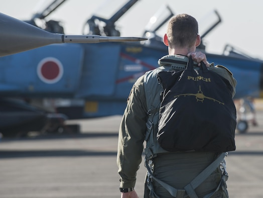 The PACAF F-16 Demo Team preps for a two-day airshow at Nyutabaru AB.
