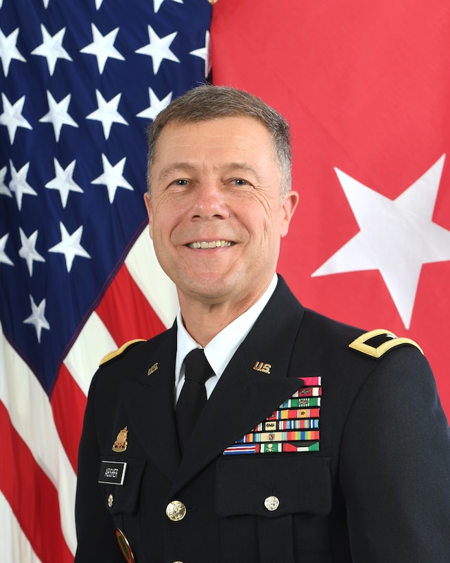 Official photograph of Brig. Gen. Donald B. Absher, United States Army Reserve.  (U.S. Army photo)