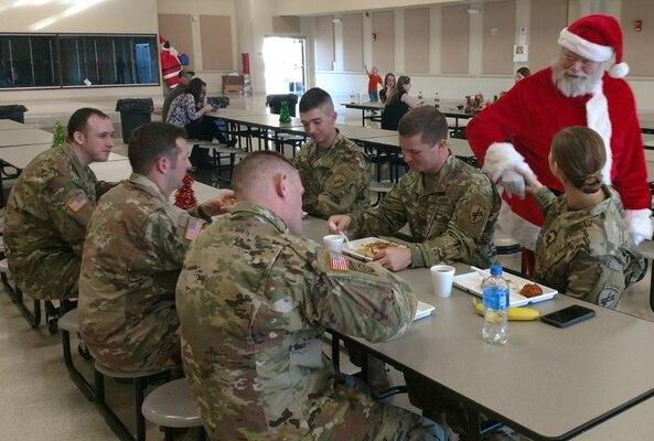 Santa visits the 391st MP Battalion at DSCC
