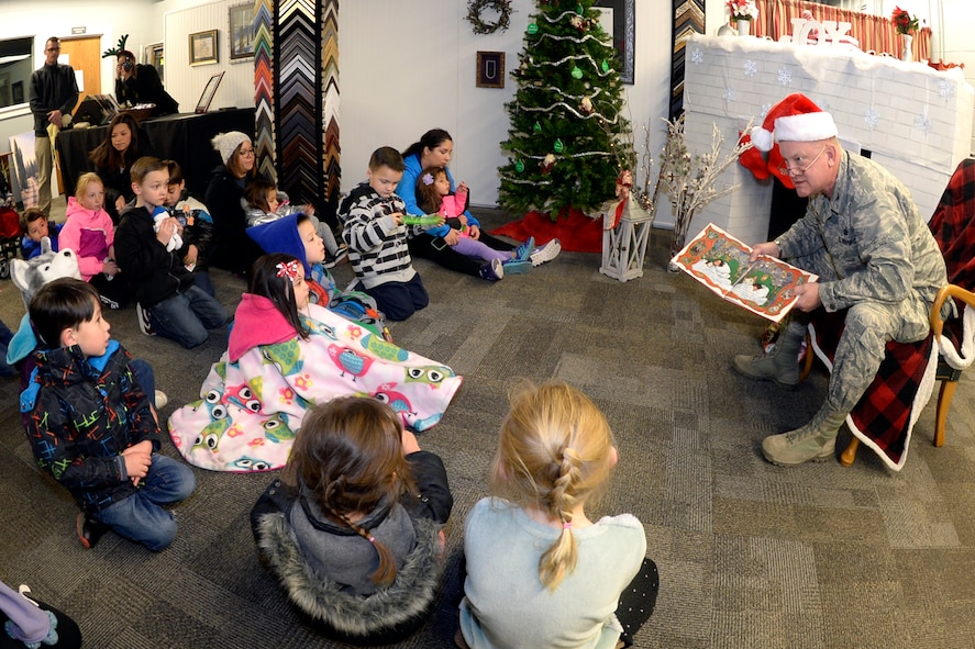 CHILDREN JOIN SANTA TO BRING IN THE HOLIDAYS