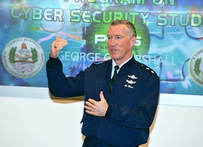An Air Force General Speaks to cyber students