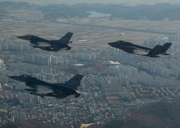 Vipers, Lightning strike Korean Peninsula together for first time