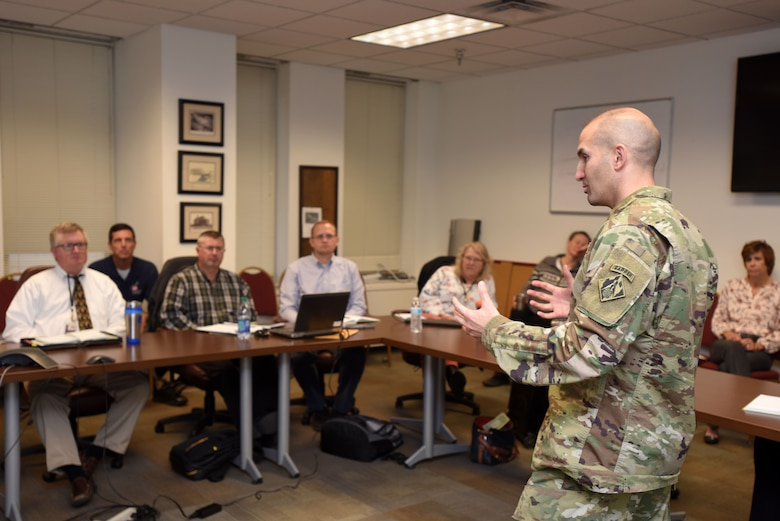 Col. Paul Kremer, U.S. Army Corps of Engineers Great Lakes and Ohio River Division acting commander, shares his leadership perspective with supervisors participating in the Supervisor Training Program during a visit to the Nashville District Headquarters in Nashville, Tenn., Dec. 6, 2017. (USACE photo by Lee Roberts)