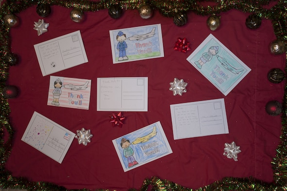 Thank you cards spread holiday cheer to Airmen Dec. 10, 2017, at Mountain Home Air Force Base, Idaho. Airmen at the 366th Fighter Wing received thank you cards from children in Idaho and Washington state.