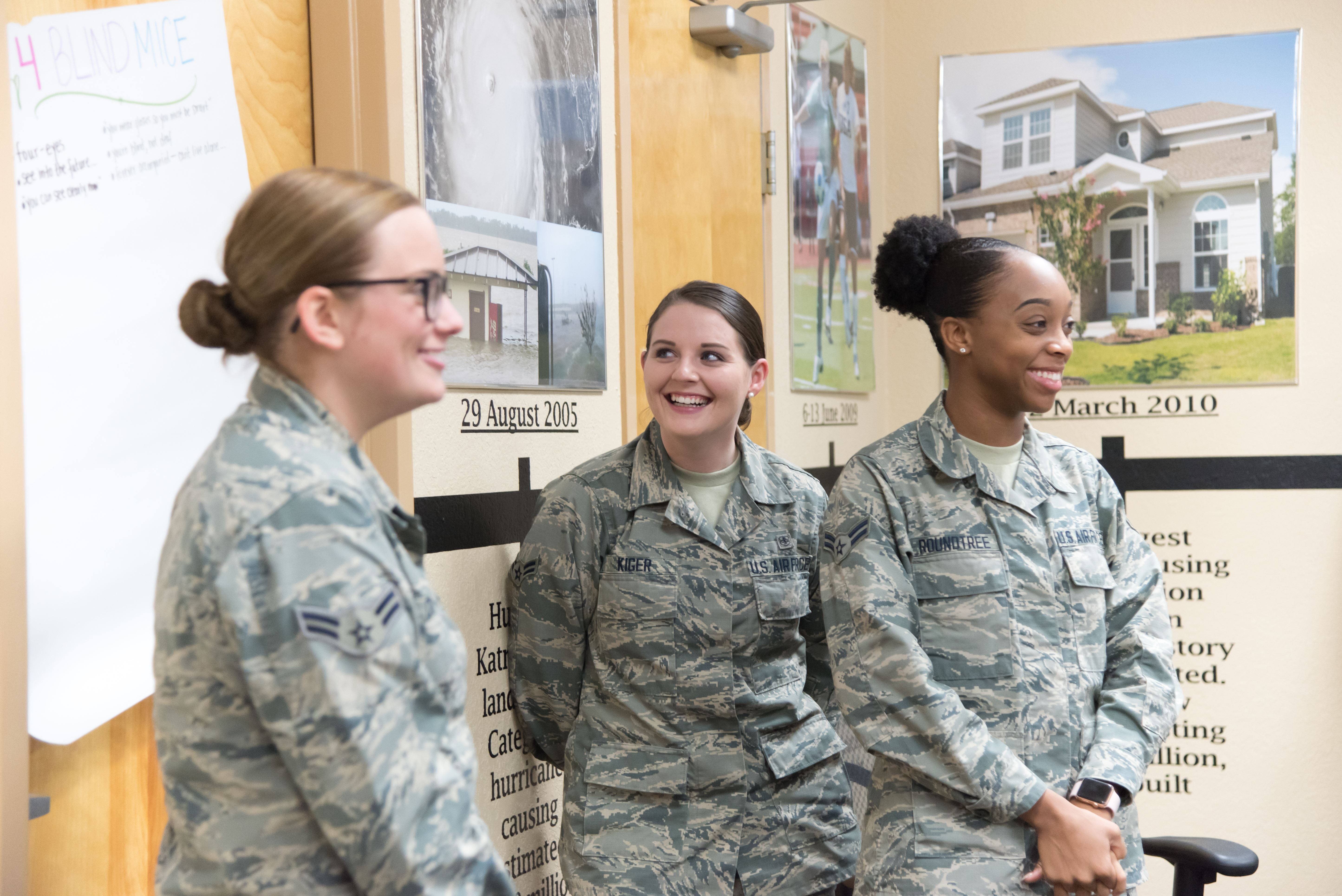 Advisor serves as career guidebook > 403rd Wing > Article Display