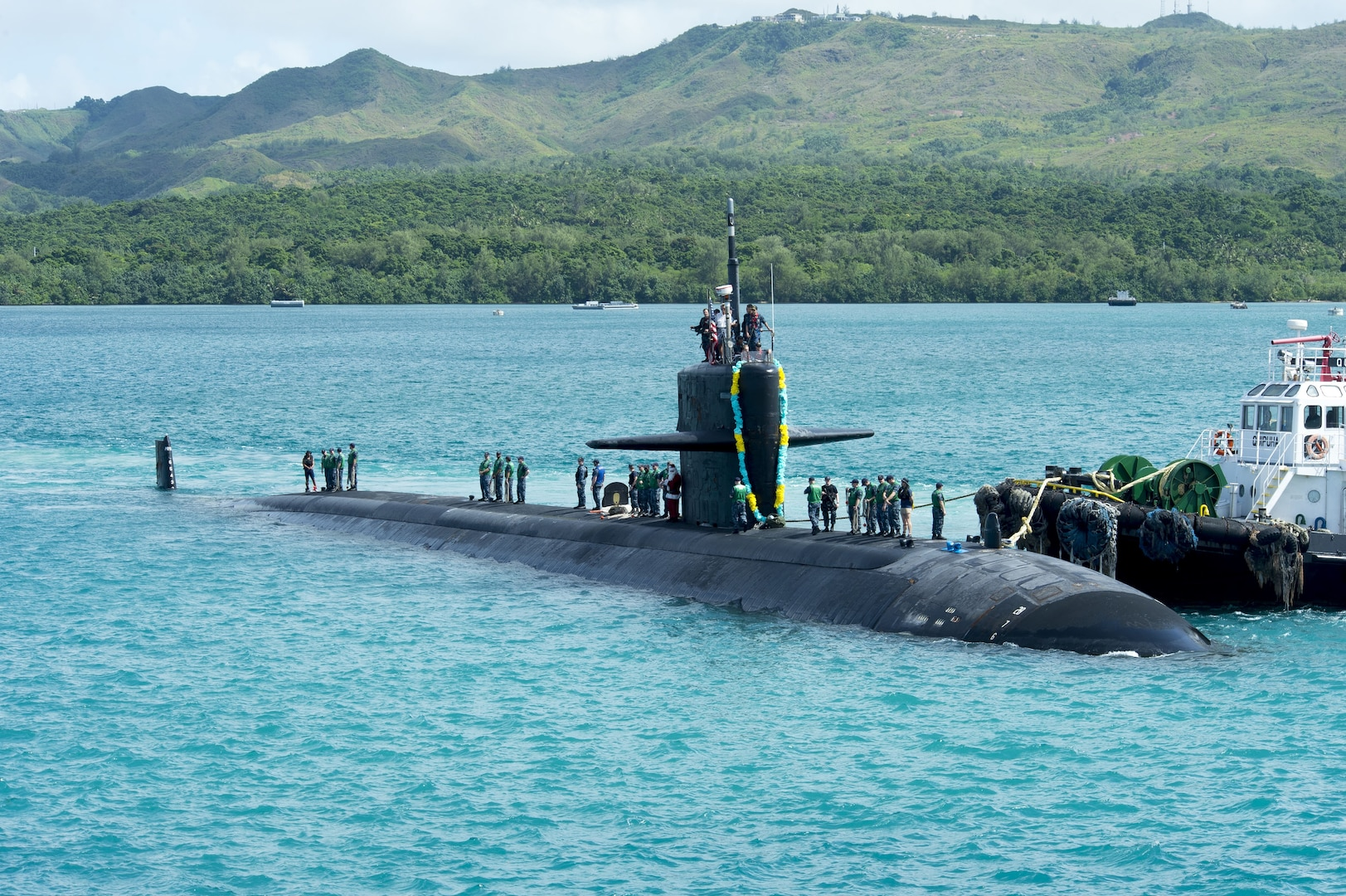 (U.S. Navy photo by Culinary Specialist Submarines Seaman Jonathan Perez/RELEASED)