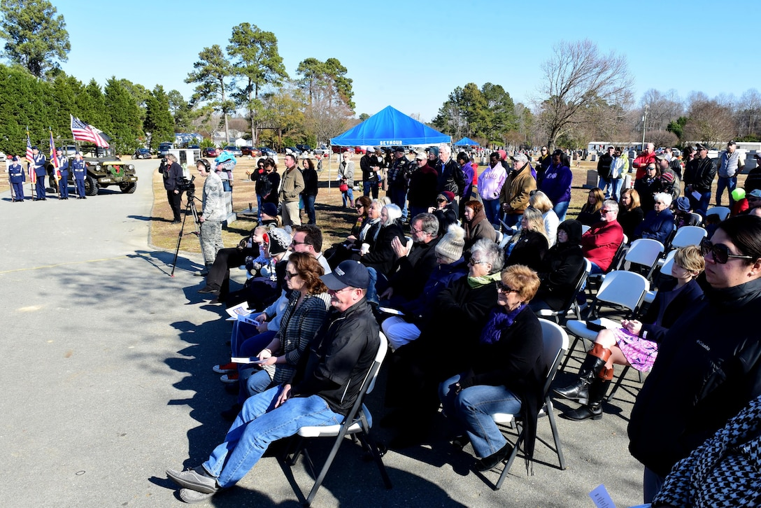 Members of the community attend the Wayne County Wreaths Across America ceremony honor fallen service members Dec. 16, 2017, at Evergreen Memorial Cemetery in Princeton, North Carolina.
