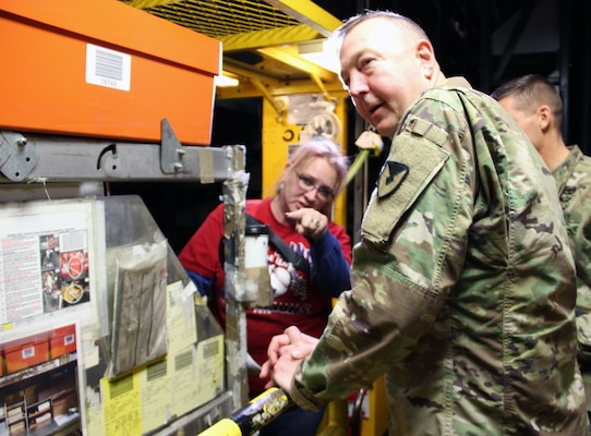 USASAC Commanding General and Command Sergeant Major visits DLA Distribution
