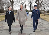 Amanda and Stephen Wright, the great-grandniece and grandnephew of aviation pioneers Wilbur and Orville Wright, join Col. Bradley McDonald, 88th Air Base Wing commander, in laying a wreath at the Wright Brothers Memorial, Wright-Patterson Air Force Base, Ohio, Dec. 15, 2017.  The ceremony commemorates the world's first successful, heavier-than-air, powered flight by the Wright Brothers 114 years ago. (U.S. Air Force photo/Al Bright)