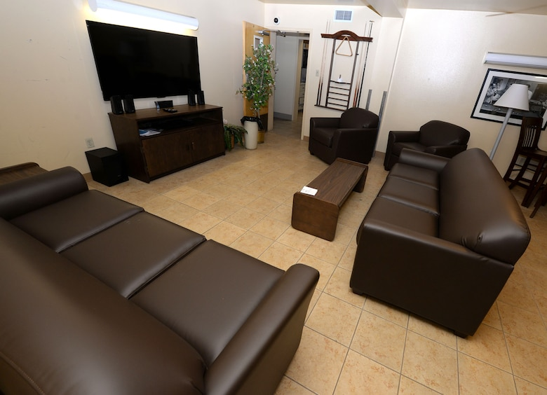 Pfingston Hall residents receive new furniture