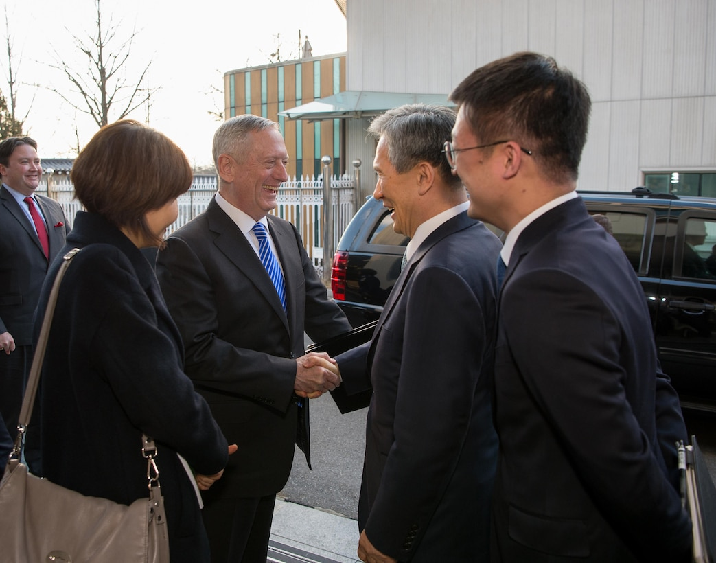 Defense Secretary Jim Mattis meets with South Korean National Security Advisor Kim Kwan-jin during a visit to Seoul, Feb. 2, 2017. DoD photo by Army Sgt. Amber I. Smith
