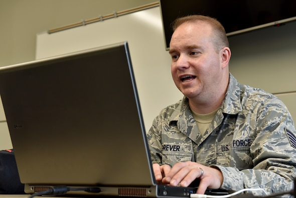 Tech. Sgt. Steve Grever, the public web NCOIC assigned to the Public Web Division at the Air Force Public Affairs Agency, gives instruction to a class Feb. 8, 2017, at the I.G. Brown Training and Education Center in Louisville, Tenn. Around 100 public affairs Airmen and website experts were on campus this week for an Air National Guard workshop on the Armed Forces Public Information Management System. (U.S. Air National Guard photo by Master Sgt. Mike R. Smith)