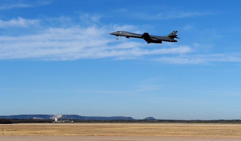 Maj. Gen. Richard Scobee, 10th Air Force commander, departs aboard the B-1B Lancer at Dyess Air Force Base, Texas, Feb. 11, 2017. This is a B-1B Lancer familiarization flight, which exposes rated aviators to the B-1 mission. (U.S. Air Force photo by Airman 1st Class April Lancto)
