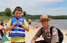 Wear your lifejacket and receive prizes from our Park Rangers!