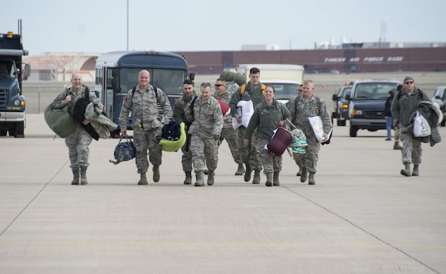Reservists from the 507th Air Refueling Wing return home following a deployment Feb. 17, 2017, at Tinker Air Force Base, Okla. More than 90 other Reservists deployed in December 2016 in support of air operations at Incirlik Air Base, Turkey, against the Islamic State group. (U.S. Air Force photo/Tech. Sgt. Lauren Gleason)