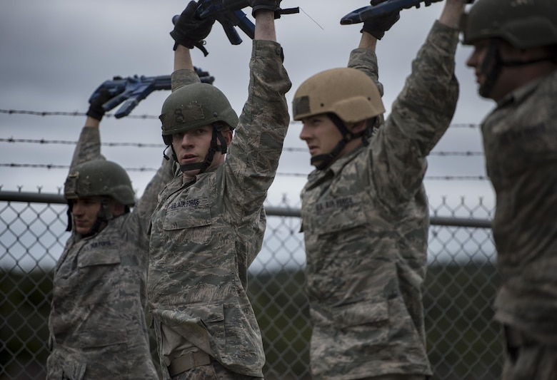 U.S. Air Force Academy cadets participate in a skills building exercise during the Air Liaison Officer Aptitude Assessment, Feb. 14, at Camp Bullis, Texas. The cadets were divided into two groups for the tasked obstacle portion of the assessment, leaving the other group time to workout. (U.S. Air Force photo by Tech. Sgt. Zachary Wolf)