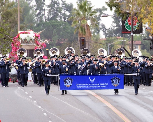 The United States Air Force Total Force Band performs in the 128th Rose Parade in Pasadena, Calif., Jan. 2, 2017. The USAF Total Force Band kicked off the Air Force 70th Birthday celebration playing several venues in Southern California culminating with their appearance in the Rose Parade. The band is comprised of active-duty and Air National Guard musicians from around the Air Force. (U.S. Air Force photo/Louis Briscese)