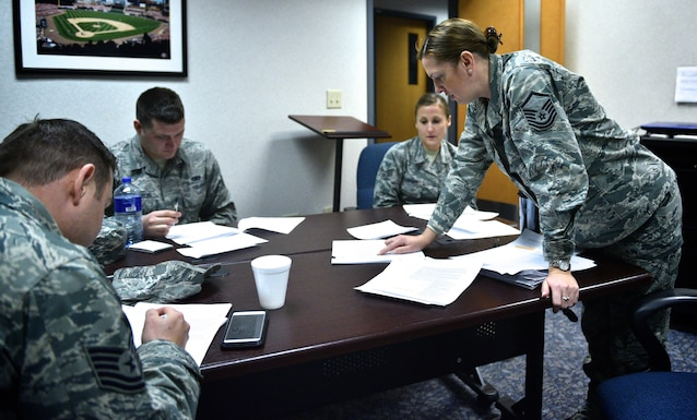 "Master Sgt. Tabetha Coley, a line recruiter for the 932nd Airlift Wing, teaches an intro to Enlisted Performance Report (EPR) bullet writing class, Jan. 8, 2017, Scott Air Force Base, Illinois.  Coley was an instructor for Airman Leader School for five years and used both her knowledge from teaching but also as an Air Force recruiter to help 932nd Airman write more professionally crafted EPRs.  ""As recruiters we want to continue to invest in our people that are in the unit and not just focus on new recruits,"" said Coley.  She feels she was selected to teach because of her own belief that you find a good mentor or subject matter expert and latch on to them.  (U.S. Air Force photo by Tech. Sgt. Christopher Parr)"