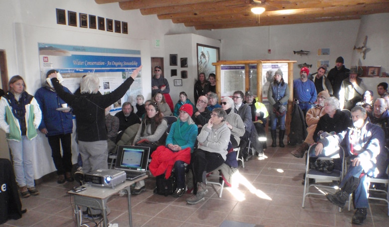 ABIQUIU LAKE, N.M. – Before dispersing to count eagles Jan. 7, 2017, the lake staff and the Wildlife Center of Espanola, N.M. presented an interpretive talk concerning winter bald eagles in New Mexico.