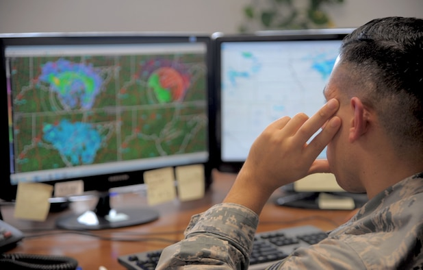 Senior Airman Jonathan Casillas, a weather forecaster assigned to the 6th Operations Support Squadron, monitors a Midwest storm, Jan. 11, 2017 at MacDill Air Force Base, Fla. MacDill weather forecasters monitor the weather 24-hours a day, seven days a week. (U.S. Air Force photo by Airman 1st Class Adam R. Shanks)