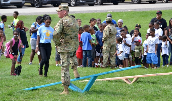 DLA Troop Support active duty personnel were among nearly 40 military personnel to help local children complete seven obstacle courses during the Philly Play Summer Challenge August 10, 2016  in Northeast Philadelphia. More than 2,000 local children participated in the event, aimed at encouraging teamwork and physical fitness.