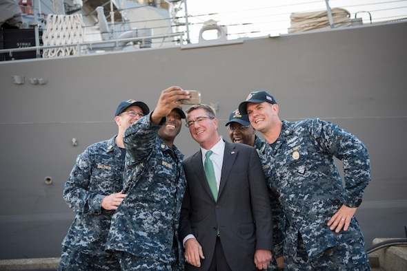 Defense Secretary Ash Carter meets with master chief petty officers from the guided-missile cruiser USS John C. McCain at Naval Base Yokosuka, Japan, Dec. 6, 2016. DOD photo by Air Force Tech. Sgt. Brigitte N. Brantley