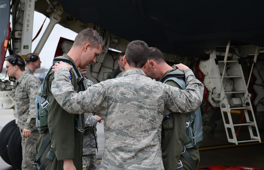 Brig. Gen. Paul W. Tibbets IV, the 509th Bomb Wing commander, welcomes home two B-2 Spirit stealth bomber pilots at Whiteman Air Force Base, Mo., Jan. 19, 2017. Two B-2 Spirit stealth bombers returned after flying an approximate 30-hour sortie in support of operations near Sirte, Libya. In conjunction with the Libyan Government of National Accord, the U.S. military conducted precision airstrikes Jan. 18, 2017, destroying two Daesh camps 45 kilometers southwest of Sirte. (U.S. Air Force photo by Senior Airman Joel Pfiester)