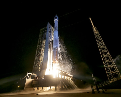 An Atlas V rocket carrying the SBIRS GEO Flight 3 satellite lifts off from Cape Canaveral Air Force Station's Space Launch Complex-41 at 7:42 p.m. EST, Jan 20. (Photo courtesy of United Launch Alliance)