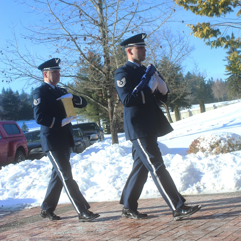 Oregon Air National Guard Technical Sergeants John Hughel, left, and Justin Meininger, right, assigned to the 142nd Fighter Wing Base Honor Guard, being a U.S. Air Force military funeral at Willamette National Cemetery, Portland, Ore., Jan. 16, 2017. (Photo courtesy of U.S. Air Force Master Sgt. (ret.) Jonathan Dyer)
