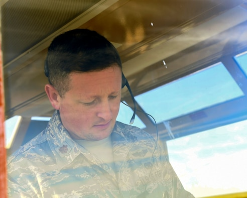 Maj. Eric Hoopes, commander of the 149th Fighter Wing's Detachment 1, tracks flight data at Yankee Range, Naval Air Station Kingsville, Texas, Dec.1, 2016. The range is used to prepare combat fighter pilots for worldwide operations. (U.S. Air National Guard photo by Tech. Sgt. Mindy Bloem)