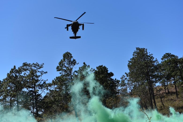 A UH-60 helicopter assigned to Joint Task Force-Bravo's 1st Battalion, 228th Aviation Regiment, approaches a marked landing zone during a joint Medical Evacuation Training Exercise between Joint Security Forces and the 1-228th, near Soto Cano Air Base, Honduras, Jan. 18, 2017.