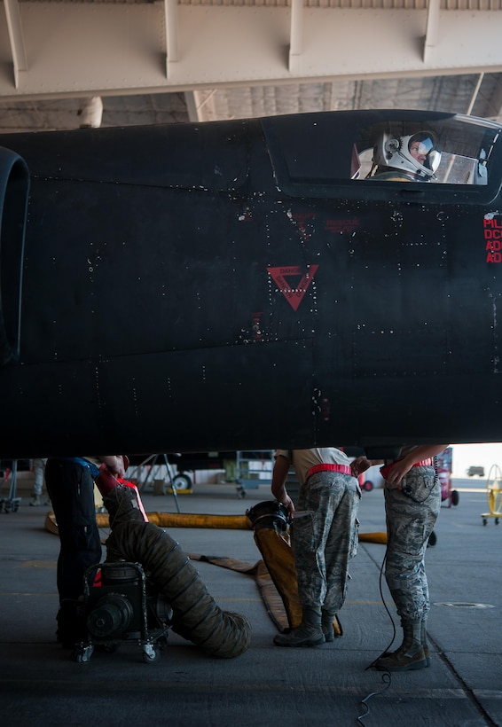Members of the 9th Aircraft Maintenance Squadron make final preparations to a U-2 Dragon Lady before it departs for its flight at Beale Air Force Base, Calif., June 20, 2017. Crew Chiefs will use technical data to diagnose and solve maintenance problems on aircraft systems to keep the aircraft in serviceable condition.