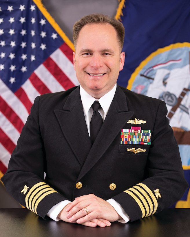 United States Navy Supply Corps Capt. Andrew M. Matthews assumed command of DLA Distribution Norfolk, Virginia, in a July 14 ceremony.