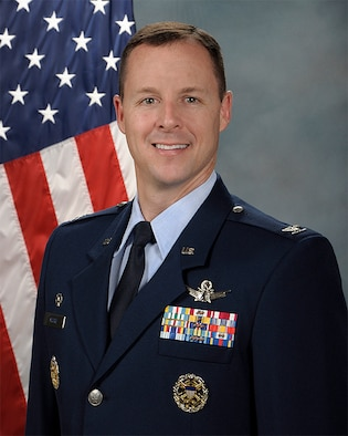 Official photo of Col. Todd Moore