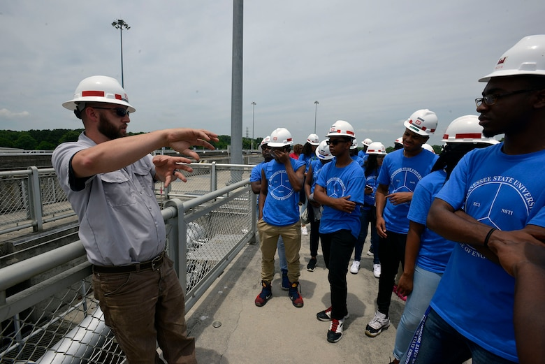 Mark Worley, lockmaster at the Old Hickory Navigation Lock, talks with students touring the lock from the Tennessee State University Engineering Department's four-week National Summer Transportation Institute program on June 21, 2017.