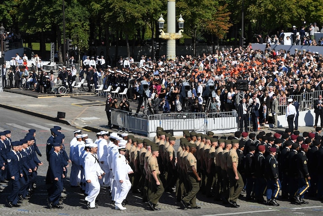 U.S. soldiers, sailors, airmen and Marines march in the Bastille Day military parade in Paris, July 14, 2017. Navy photo by Chief Petty Officer Michael McNabb