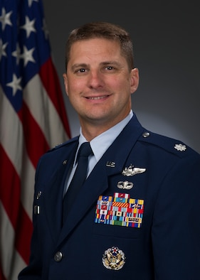 Lt. Col. Jeff Krulick, 321st Air Mobility Operations Squadron, shares some insight on the importance of asking the right questions. (U.S. Air Force photo)