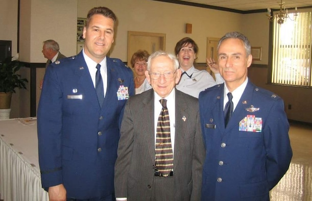 McGregory, commander of the 910th Airlift Wing, Youngstown Air Reserve Station, Ohio, poses with Lt. Col. JD Williams, 756th Air Refueling Squadron commander, and World War II veteran Fred Kublei in 2009. (Courtesy photo)