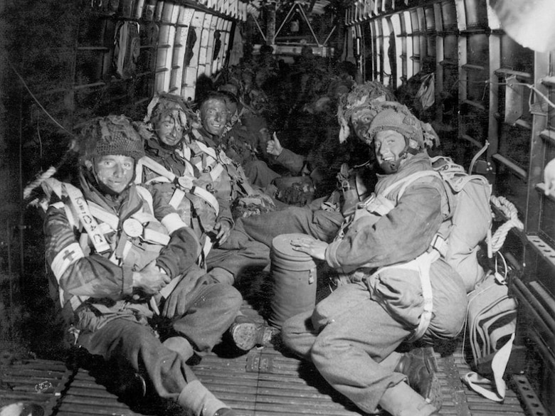 Parachute troops line the inside of an Armstrong Whitworth Albemarle.