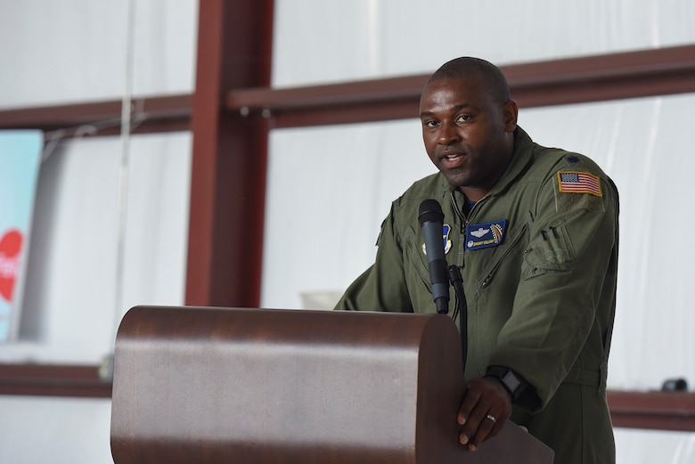 Lt. Col. Charles Gilliam, 48th Flying Training Squadron commander, Columbus Air Force Base, Miss., commends attendees for learning basic flying principles during the Eyes Above the Horizon diversity outreach program, July 22, 2017, in Valdosta, Ga. The Valdosta Regional Airport welcomed approximately 100 10-19-year-olds as they took the Valdosta skies to commemorate the 76th Anniversary of the historic Tuskegee Airmen. The program focuses on mentoring and familiarizing underrepresented minorities with basic flying fundamentals. (U.S. Air Force photo by Senior Airman Greg Nash)