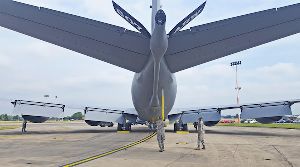 Citizen Airmen from the 507th Maintenance Group at Tinker Air Force Base, Okla., recover a KC-135R Stratotanker following a training flight July 19, 2017, at RAF Mildenhall, England. The 507th MXG team work seamlessly with the 100th Maintenance Group. If an aircraft breaks, Reserve maintenance personnel will work the issue themselves or partner with the 100th MXG if parts or a specialty is needed. (U.S. Air Force photo/Maj. Jon Quinlan)
