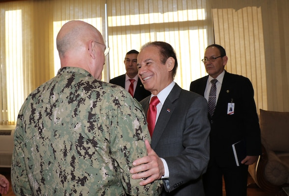 ASUNCIÓN, Paraguay (July 27, 2017) -- U.S. Navy Adm. Kurt W. Tidd, commander of U.S. Southern Command, and Paraguayan Minister of Defense Diogenes Martinez meet at the Ministry of Defense in Asunción to discuss defense cooperation efforts. Tidd is in Paraguay to meet the nation's leaders and to engage with senior regional security officials during the annual Fuerzas Comando multinational special operations skills competition. (Photo by SOUTHCOM Public Affairs)