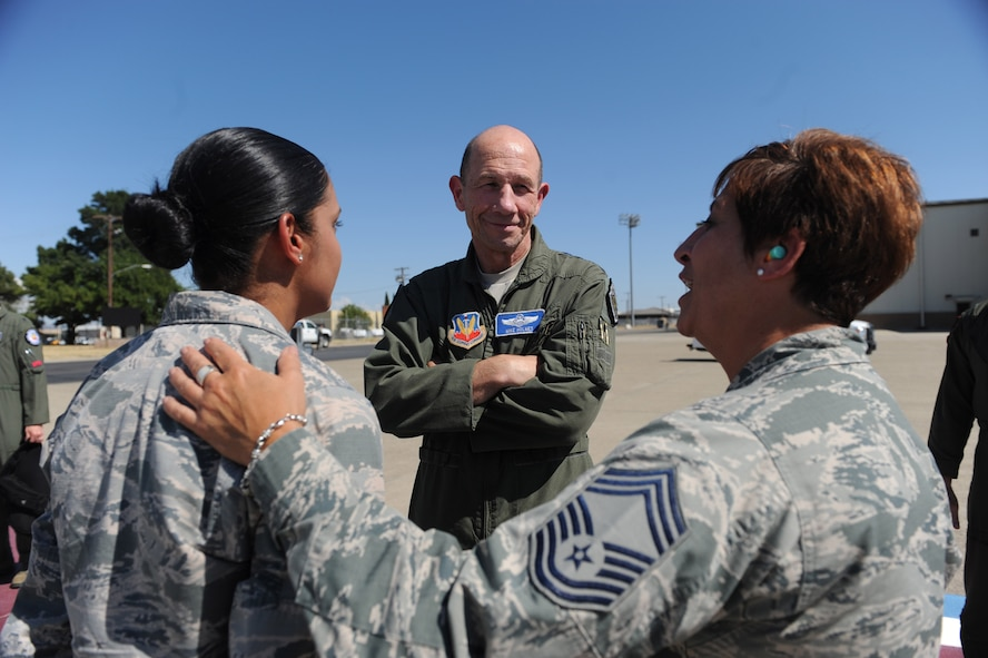 Gen. Mike Holmes, commander of Air Combat Command, meets with members of Team Beale July 26, 2017, at Beale Air Force Base, California. During his visit Holmes toured various facilities and met with Airmen from across base.(U.S. Air Force photo/Senior Airman Justin Parsons)