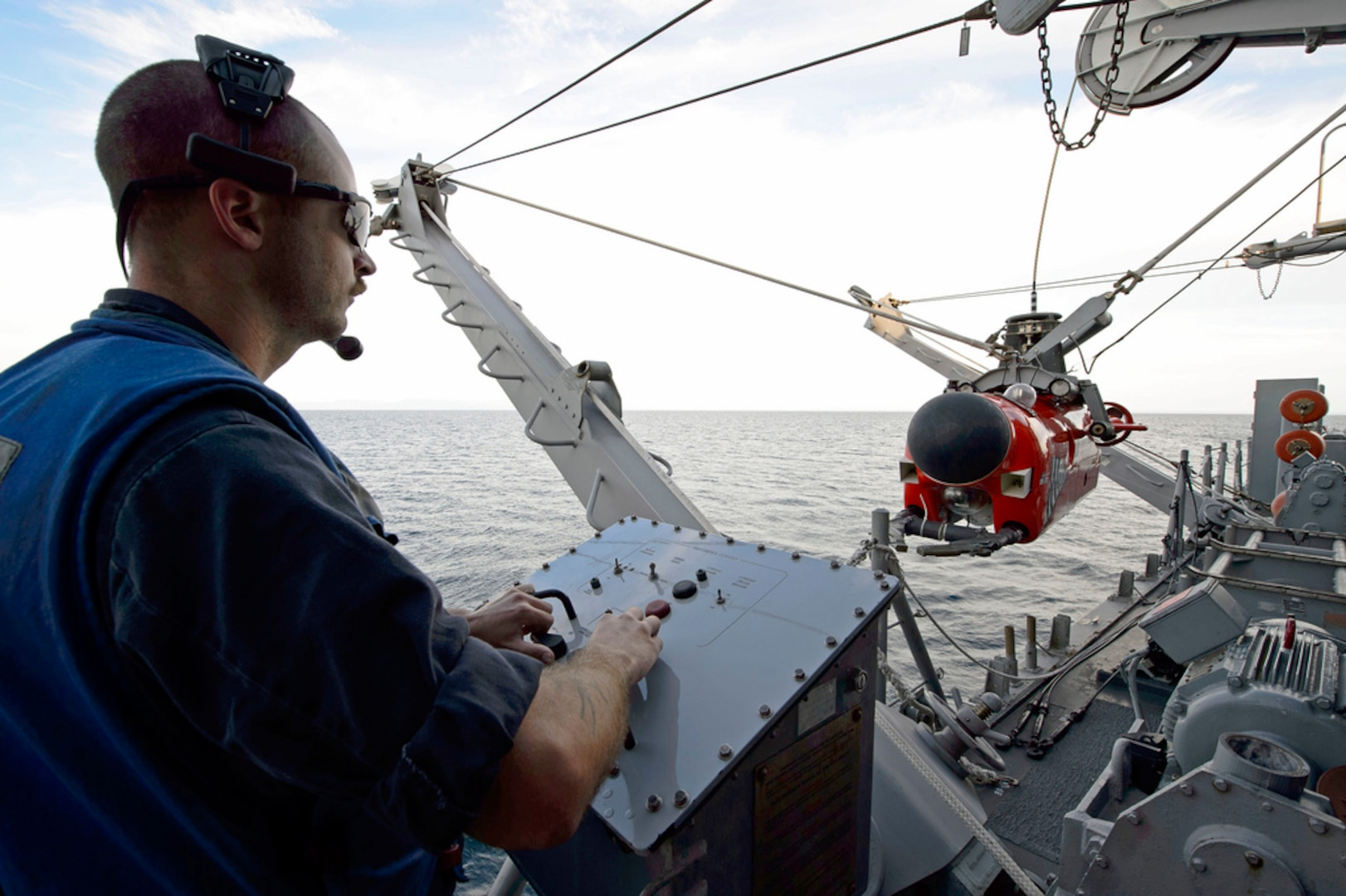 Mineman 1st Class Zachary Abel deploys a AN/SLQ-48 Mine Neutralization Vehicle (MNV) from the mine countermeasures ship USS Pioneer (MCM 9) during 2JA 2017 Mine Countermeasures Exercise (2JA-17 MCMEX). 2JA Mine Countermeasures Exercise is an annual bilateral exercise held between the U.S. Navy and JMSDF to strengthen interoperability and increase proficiencies in mine countermeasure operations, July 26, 2017.