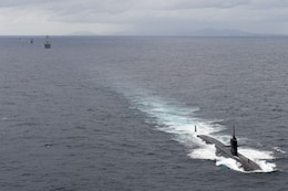 The Los Angeles-class fast attack submarine USS Key West (SSN 722), the Arleigh Burke-class guided-missile destroyer USS Sterett (DDG 104), and the Royal Thai Navy frigate HTMS Naresuan (FFG 421) and the corvette HTMS Long Lom (FS 533) conduct a transit exercise as part of Exercise Guardian Sea 2017. Sterett is part of the Sterett-Dewey Surface Action Group and is the third deploying group operating under the command and control construct called 3rd Fleet Forward. U.S. 3rd Fleet operating forward offers additional options to the Pacific Fleet commander by leveraging the capabilities of 3rd and 7th Fleets.