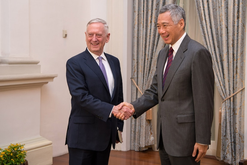 Defense Secretary Jim Mattis greets Singapore's Prime Minister Lee Hsien Loong at the Istana in Singapore, June 2, 2017. DoD photo by Air Force Staff Sgt. Jette Carr